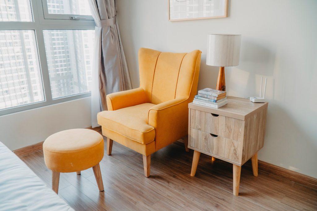 Kleur in woonkamer toevoegen